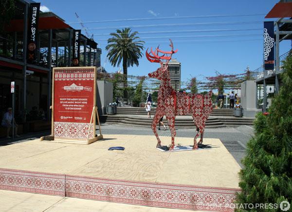 brisbane-marketing-xmas-deer-reindeer-stage-face-print-timber-uv-print-custum-bespoke-australia-sydney-melbourne-pattern-festive-construction