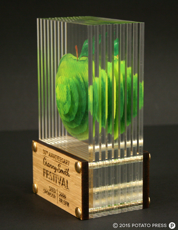 Grannysmith-apples-trophy-rightside-acrylic-glass-3d-custom-bespoke-laser-etch-australia-international