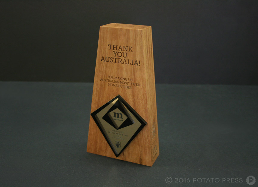 potato-press-metricon-homes-australia-wooden-trophy-award-laser-etch-printed-acrylic